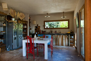 Bildno.: 11389124<br/><b>Feature: 11389067 - Open to the Wind</b><br/>House in the heart of Corsica<br />living4media / Madamour, Christophe
