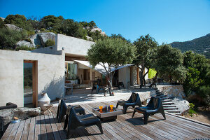 Bildno.: 11389246<br/><b>Feature: 11389067 - Open to the Wind</b><br/>House in the heart of Corsica<br />living4media / Madamour, Christophe
