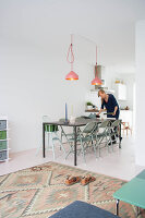 Bildno.: 11389590<br/><b>Feature: 11389566 - Savvy Living</b><br/>Bright and quirky family home in the Netherlands<br />living4media / Marder, Holly