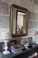 Bildnr.: 11394070<br/><b>Feature: 11394048 - Franz&#246;sische Geschichte</b><br/>Stilecht eingerichtetes Haus aus dem 18. Jahrhundert in P&#233;rigord<br />living4media / Hallot, Olivier