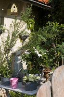 Bildnr.: 11394086<br/><b>Feature: 11394048 - Franz&#246;sische Geschichte</b><br/>Stilecht eingerichtetes Haus aus dem 18. Jahrhundert in P&#233;rigord<br />living4media / Hallot, Olivier