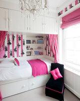 Bildnr.: 11394172<br/><b>Feature: 11394101 - An der Themse</b><br/>Wohnung im Georgianischen Stil mit Blick auf die Tower-Bridge, London<br />living4media / Cox, Stuart