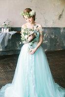 Bildno.: 11399504<br/><b>Feature: 11399471 - Floral Temptations</b><br/>Wedding accessories to complement the big day<br />living4media / Dogadaeva, Elizaveta