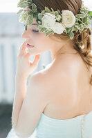 Bildno.: 11399542<br/><b>Feature: 11399471 - Floral Temptations</b><br/>Wedding accessories to complement the big day<br />living4media / Dogadaeva, Elizaveta