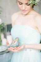 Bildno.: 11399544<br/><b>Feature: 11399471 - Floral Temptations</b><br/>Wedding accessories to complement the big day<br />living4media / Dogadaeva, Elizaveta