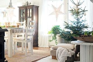 Bildnr.: 11400300<br/><b>Feature: 11400280 - Wohliges Winter-Wei&#223;</b><br/>Weihnachten bei Familie Hirsch in Schweden<br />living4media / M&#246;ller, Cecilia