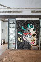 Bildnr.: 11401206<br/><b>Feature: 11401195 - Richtiger Blickwinkel</b><br/>Eine Berliner Altbauwohnung mit sch&#246;nen Stuckdecken und brasilianischer Kunst<br />living4media / Morath, Dagmar