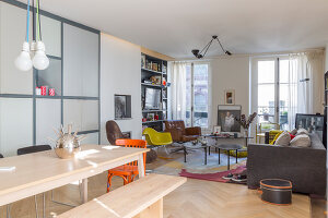 Bildno.: 11403138<br/><b>Feature: 11403127 - Parisian Charm</b><br/>Renovated apartment in Paris is full innovative ideas<br />living4media / Hallot, Olivier