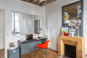 Bildno.: 11403160<br/><b>Feature: 11403127 - Parisian Charm</b><br/>Renovated apartment in Paris is full innovative ideas<br />living4media / Hallot, Olivier