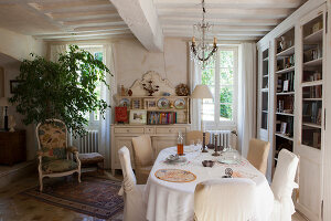 Bildno.: 11403726<br/><b>Feature: 11403713 - Rustic French elegance</b><br/>A romantic country manor not far from Paris<br />living4media / Hallot, Olivier