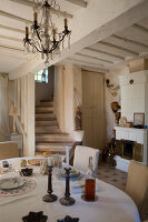 Bildno.: 11403730<br/><b>Feature: 11403713 - Rustic French elegance</b><br/>A romantic country manor not far from Paris<br />living4media / Hallot, Olivier