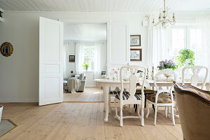 Bildno.: 11403928<br/><b>Feature: 11403887 - Home Coming</b><br/>Family home in K&#228;ngsebo, Sweden<br />living4media / M&#246;ller, Cecilia