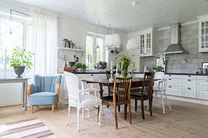 Bildno.: 11403946<br/><b>Feature: 11403887 - Home Coming</b><br/>Family home in K&#228;ngsebo, Sweden<br />living4media / M&#246;ller, Cecilia
