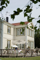 Bildno.: 11403966<br/><b>Feature: 11403887 - Home Coming</b><br/>Family home in K&#228;ngsebo, Sweden<br />living4media / M&#246;ller, Cecilia