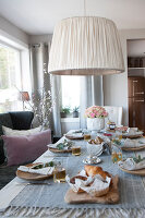 Bildno.: 11404392<br/><b>Feature: 11404388 - Northern Glamour</b><br/>Harmonious home on the Oslo Fjord in Norway<br />living4media / Nordstrom, Annette