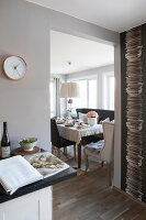 Bildno.: 11404398<br/><b>Feature: 11404388 - Northern Glamour</b><br/>Harmonious home on the Oslo Fjord in Norway<br />living4media / Nordstrom, Annette