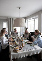 Bildno.: 11404402<br/><b>Feature: 11404388 - Northern Glamour</b><br/>Harmonious home on the Oslo Fjord in Norway<br />living4media / Nordstrom, Annette