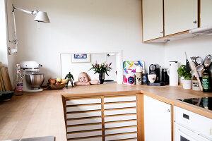Bildnr.: 11407582<br/><b>Feature: 11407569 - D&#228;nisches-Design</b><br/>Dem Haus sieht man an, dass hier eine skandinavische Familie wohnt, Aarhus<br />living4media / Brandt, Jenny