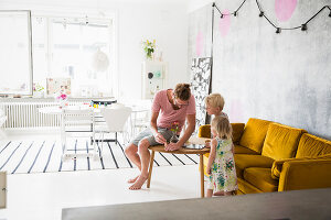 Bildno.: 11409274<br/><b>Feature: 11409243 - The Playful Home</b><br/>A young family creates one big playpen in Sweden<br />living4media / Brandt, Jenny