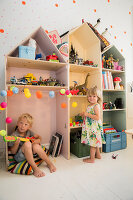 Zdjęcie numer: 11409290<br/><b>Feature: 11409243 - The Playful Home</b><br/>A young family creates one big playpen in Sweden<br />living4media / Brandt, Jenny