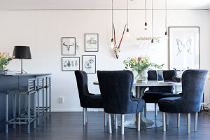 Bildno.: 11409698<br/><b>Feature: 11409690 - Online Renovation</b><br/>Finding inspiration for ideas online for a house in Link&#246;ping, Sweden<br />living4media / M&#246;ller, Cecilia