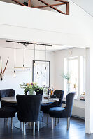 Bildno.: 11409700<br/><b>Feature: 11409690 - Online Renovation</b><br/>Finding inspiration for ideas online for a house in Link&#246;ping, Sweden<br />living4media / M&#246;ller, Cecilia