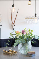 Bildno.: 11409704<br/><b>Feature: 11409690 - Online Renovation</b><br/>Finding inspiration for ideas online for a house in Link&#246;ping, Sweden<br />living4media / M&#246;ller, Cecilia