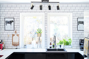 Bildno.: 11409724<br/><b>Feature: 11409690 - Online Renovation</b><br/>Finding inspiration for ideas online for a house in Link&#246;ping, Sweden<br />living4media / M&#246;ller, Cecilia