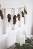 Bildno.: 11410224<br/><b>Feature: 11410216 - Drifting Toward Christmas</b><br/>DIY driftwood tree offers an exciting alternative to the traditional fir tree<br />living4media / Algermissen, Astrid