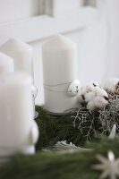 Bildno.: 11410228<br/><b>Feature: 11410216 - Drifting Toward Christmas</b><br/>DIY driftwood tree offers an exciting alternative to the traditional fir tree<br />living4media / Algermissen, Astrid