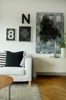 Bildno.: 11415738<br/><b>Feature: 11415717 - Swedish by Design</b><br/>Swedish home full of life and light<br />living4media / Miguel Varanda