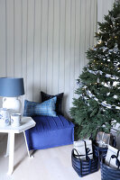 Bildno.: 11415930<br/><b>Feature: 11415922 - An Indigo Christmas</b><br/>Many ideas for making it a blue holiday season this year<br />living4media / Nordstrom, Annette