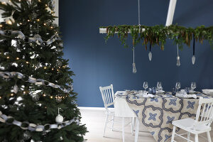 Bildno.: 11415940<br/><b>Feature: 11415922 - An Indigo Christmas</b><br/>Many ideas for making it a blue holiday season this year<br />living4media / Nordstrom, Annette