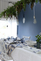 Bildno.: 11415946<br/><b>Feature: 11415922 - An Indigo Christmas</b><br/>Many ideas for making it a blue holiday season this year<br />living4media / Nordstrom, Annette