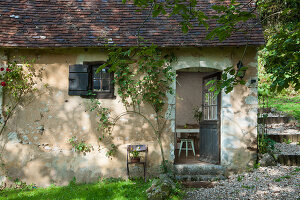 Bildno.: 11419780<br/><b>Feature: 11419669 - Picturesque Abode</b><br/>A stone cottage turned hotel in a medieval village close to Paris<br />living4media / Madamour, Christophe