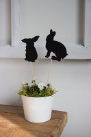 Bildno.: 11420194<br/><b>Feature: 11420156 - Rabbit Runner</b><br/>DIY project shows how to make a runner perfect for the Easter holidays<br />living4media / Algermissen, Astrid