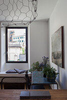 Bildno.: 11422308<br/><b>Feature: 11422291 - Bringing the World Home</b><br/>An apartment in Genoa, Italy, reflects the owner&#39;s far-flung interests<br />living4media / Lombrici, Fabio