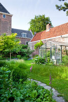 Bildno.: 11424006<br/><b>Feature: 11424002 - Touch of Green</b><br/>Comfortable home and garden in Leiden, The Netherlands<br />living4media / Kooijman, Peter