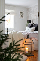 Bildno.: 11425712<br/><b>Feature: 11425675 - Forest Inspiration</b><br/>Christmas in Sweden with fresh green decoration from the forest<br />living4media / M&#246;ller, Cecilia