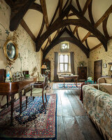 Bildno.: 11429232<br/><b>Feature: 11429150 - Restored to its Former Glory</b><br/>A small medieval manor house is brought to new life in Somerset, UK<br />living4media / Cox, Stuart