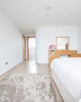 Bildnr.: 11429330<br/><b>Feature: 11429291 - Darf&#39;s noch etwas mehr sein?</b><br/>Luxushaus mit Pool, Bar und Meerblick in Bournemouth, UK<br />living4media / Cox, Stuart