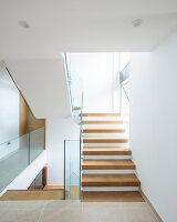 Bildnr.: 11429370<br/><b>Feature: 11429291 - Darf&#39;s noch etwas mehr sein?</b><br/>Luxushaus mit Pool, Bar und Meerblick in Bournemouth, UK<br />living4media / Cox, Stuart