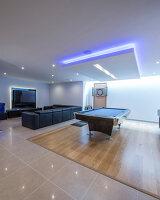 Bildnr.: 11429378<br/><b>Feature: 11429291 - Darf&#39;s noch etwas mehr sein?</b><br/>Luxushaus mit Pool, Bar und Meerblick in Bournemouth, UK<br />living4media / Cox, Stuart
