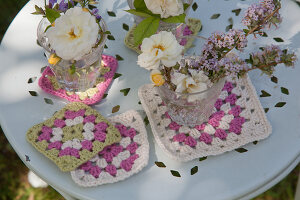 Bildno.: 11432274<br/><b>Feature: 11432236 - Accessories for Granny&#39;s Garden</b><br/>Crotcheting squares and the like for a summer look<br />living4media / Allig, Birgid