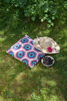 Bildno.: 11432324<br/><b>Feature: 11432236 - Accessories for Granny&#39;s Garden</b><br/>Crotcheting squares and the like for a summer look<br />living4media / Allig, Birgid
