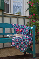 Bildno.: 11432348<br/><b>Feature: 11432236 - Accessories for Granny&#39;s Garden</b><br/>Crotcheting squares and the like for a summer look<br />living4media / Allig, Birgid