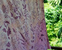 Bildnr.: 11432572<br/><b>Feature: 11432546 - Die Farben der Tropen</b><br/>Designerin Heather Maund bannt Farben und Stimmung der Seychellen auf Stoff<br />living4media / von Oswald, Yvonne