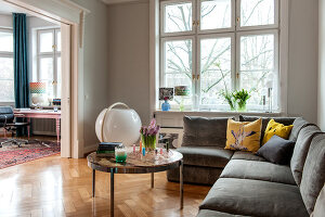 Bildno.: 11436750<br/><b>Feature: 11436740 - Pomp and Paradox</b><br/>The apartment of an actress in Hamburg, Germany<br />living4media / Moog &amp; van Deelen