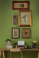 Bildno.: 11440238<br/><b>Feature: 11440234 - Green Forever</b><br/>Green is the ultimate colour in this decorating scheme<br />living4media / Great Stock!