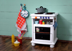 Bildno.: 11444586<br/><b>Feature: 11444573 - Cooking for Kids</b><br/>DIY children&#39;s stove<br />living4media / R&#252;ggeberg, Thordis